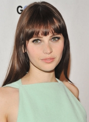 Felicity Jones With Shiny Brunette Treses