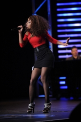 Natural Hairstyle Worn By Ashton Jones On American Idol
