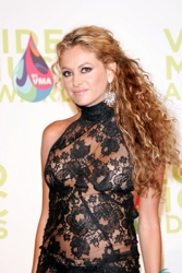 Paurlina Rubio Curly Hair