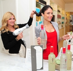 Bethenny Frankel Getting Hair Blown Out