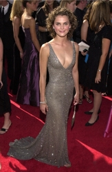 Keri Russell With Short Natural Curls At 2000 Emmy Awards