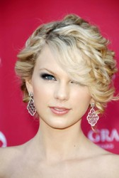 Taylor Swift With A Textured Chignon