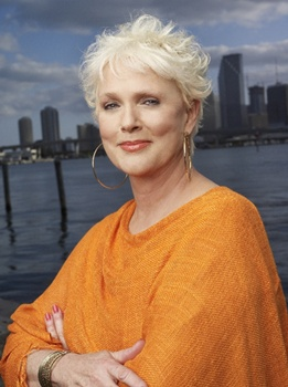 Snowy Haired Sharon Gless Rocks On Burn Notice - Sharon Gless - Burn Notice - USA - All Rights Reserved