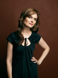 "Emily Deschanel must be TV s most glamorous scientist as the in-your-face Dr .Temperance Brennan aka ""Bones"". dfabdb1d4cc"