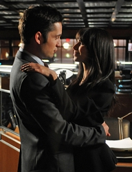 Danny (Enrique Murciano) and Elena (Roselyn Sanchez) on Without A Trace