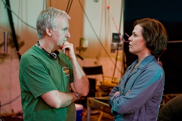 James Cameron With Sigourney Weaver (Grace) On Avatar