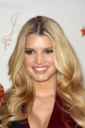 Jessica Simpson With Long Blonde Center Parted Hair