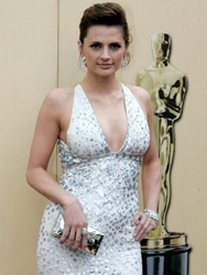 Image of Stanic Katic wearing barely there wisps of tendrils around her face - ABC.com - Oscar.com - All Rights Reserved