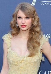 Taylor Swift With Wave Infused Long Blonde Hair