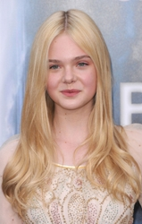 Elle Fanning Long Blonde Hair