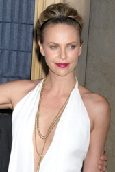 Charlize Theron Glam Hairstyle With Headband