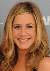 Jennifer Aniston With Shiny Long Waves