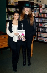 Khloe And Kourtney Kardashian
