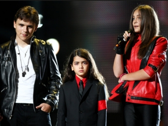 Paris Jackson And Two Brothers