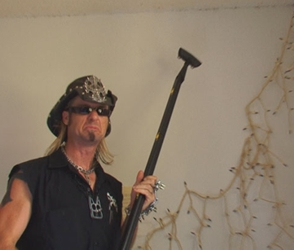 Hairy Bed Bugs - Billy The Exterminator Steaming Bed Bugs In Florida