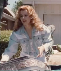 Geena Davis As Thelma With Big 90s Style Curls