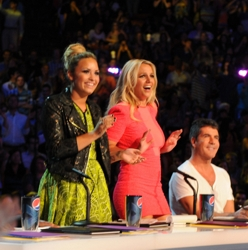 Demi Lovato With Blonde Top Knot On X Factor - Fox/TV