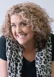 Ginny - Naturally Curly - HairBoutique.com Photo Shoot