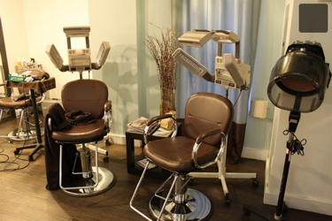 RobertG Salon In New York