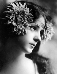 Evelyn Nesbitt Floral Headband - Wikipedia.com
