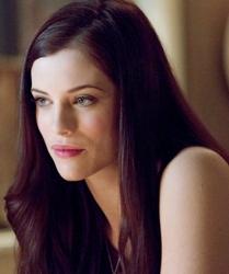 Jessica DeGouw as Helena