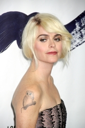 Blog about Taryn Manning's Hair