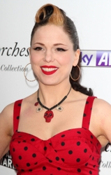 Blog about Imelda May's Hair Roll