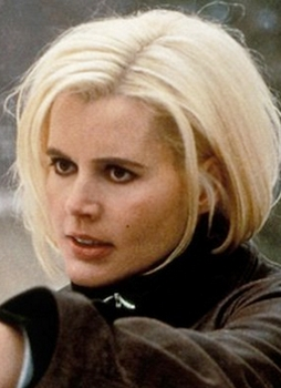 Geena Davis With Platinum Blonde Hair Styled By Robert Hallowell on The Good Kiss Goodnight