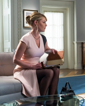 Katherine Heigl with Everyday French Twist Hairstyle as Charleston Tucker, -- (Photo by: Michael Parmelee/NBC)