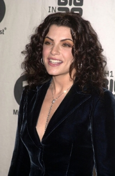 Julianna Margulies at the VHI Big in 2002 Awards Arrivals, Grand Olympic Auditorium, LA, CA.  12-04-02 - Photo Courtesy of DC Media.com - All Rights Reserved