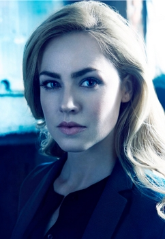 12 MONKEYS -- Season:1 -- Pictured: Amanda Schull as Dr. Cassandra Railly -- (Photo by: Jeff Riedel/Syfy) Fridays on Syfy (9-10 p.m. ET) 2014 Syfy Media, LLC