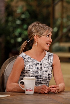 Pictured L-R: Jennifer Aniston and Aisha Tyler Photo: Lisette M. Azar/CBS ©2013 CBS Broadcasting Inc. All Rights Reserved.