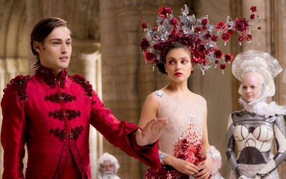 Blog about Mila Kunis' Hair In Jupiter Ascending