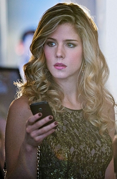"""Arrow -- """"Dodger"""" -- Pictured - Emily Bett Rickards as Felicity Smoak  -- Photo: Cate Cameron/The CW -- © 2013 - The CW Network. All Rights Reserved"""