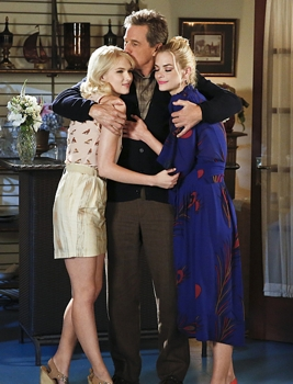 """Hart of Dixie -- """"Bar-Be-Q Burritos"""" -- Image Number: HA405b_0117.jpg -- Pictured: Jaime King as Lemon -- Photo: Greg Gayne/The CW -- © 2015 The CW Network, LLC. All rights reserved."""