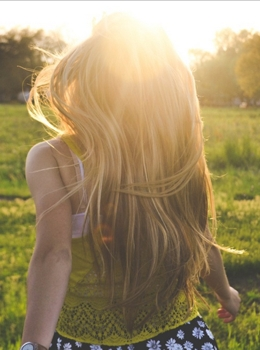 Image of Long Blonde Hair Flowing In The Sunlight - Morgan Session Unsplash.com - Creative Commons License - All Rights Reserved