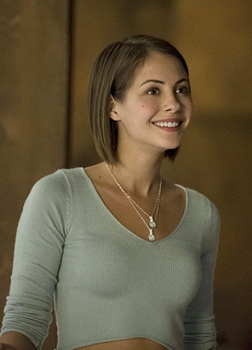 Pictured (L-R): Willa Holland as Thea Queen -- Photo: Cate Cameron/The CW -- ©2014 The CW Network, LLC. All Rights Reserved.