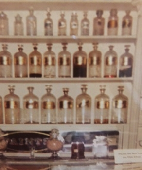 Old Fashioned Apothecary - Photo by Karen Marie Shelton - Hairboutique.com - All Rights Reserved
