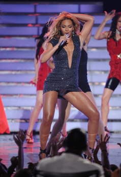 Beyonce during the season ten AMERICAN IDOL GRAND FINALE at the Nokia Theatre on Weds. May 25, 2011 in Los Angeles, California. CR: Michael Becker/FOX