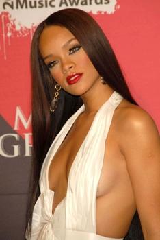 Rihanna - Billboard Music Awards - 2006 - Waist length extensions -  DC Media - All Rights Reserved