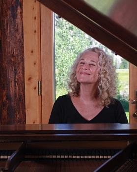 Singer-songwriter Carole King will receive honors for 2015 on THE 38TH ANNUAL KENNEDY CENTER HONORS, on CBS. Photo: CK Ranch Studio/Courtesy of The Kennedy Center Honors - All Rights Reserved
