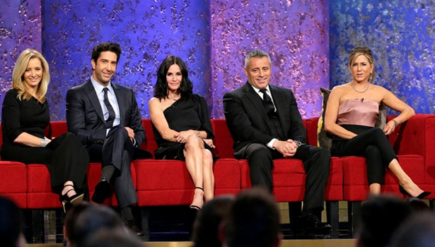 Lisa Kudrow's Hair Aging With Class - MUST SEE TV: AN ALL-STAR TRIBUTE TO JAMES BURROWS - (L-R) Lisa Kudrow, David Schwimmer, Courteneey Cox, Matt LeBlanc, Jennifer Aniston - (Photo by: Chris Haston/NBC) Sunday, February 21, 2016 - NBC