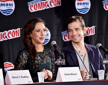 "Long Sexy Stella Maeve Hair NEW YORK COMIC CON -- ""The Magicians Panel"" -- Pictured: (l-r) Stella Maeve, Jason Ralph -- (Photo by: Mike Coppola/Syfy)"