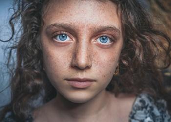 Fine-tuning Fine Curly Hair - Shahin Khalaji - Unsplash - All Rights Reservedd