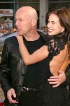 Bruce Willis & Brooke Burns Image 8778