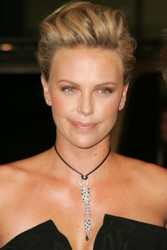 Charlize Theron Hair Pictures & Hair History CharlizeTheron15