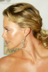 Charlize Theron Hair Pictures & Hair History CharlizeWavyPony_670B1447