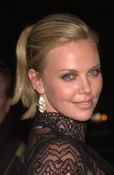 Charlize Theron Hair Pictures & Hair History Charlize_Theron014