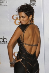 Halle Berry Short Hairstyles halle berry short hairstyles berry short bobs hairstyle hair can be added color of cherry to Halle Berry Sassy Pixie Short Hairstyle Halleberry25