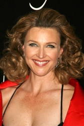 Article about Brenda Strong's Hair: Steal Her Hair Style